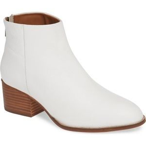 New! Seychelles white leather ankle booties size 8